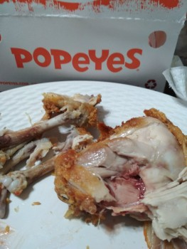 Popeyes Louisiana Kitchen, 2000 Montreal Rd, Gloucester, ON, Canada photo-109768 Got Food Poisoning? Report it now