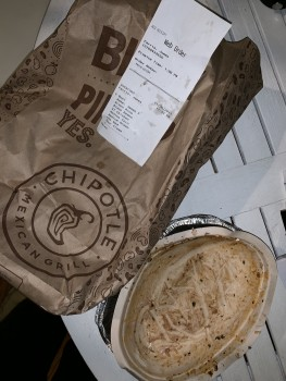Chipotle Mexican Grill, Scottsville Road, Bowling Green, KY, USA photo-160172 Got Food Poisoning? Report it now