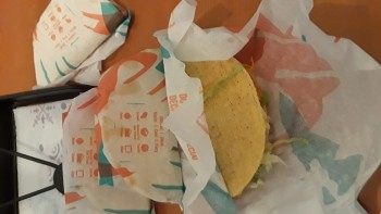 Taco Bell, Bolger Rd, Independence, MO, USA photo-177664 Got Food Poisoning? Report it now